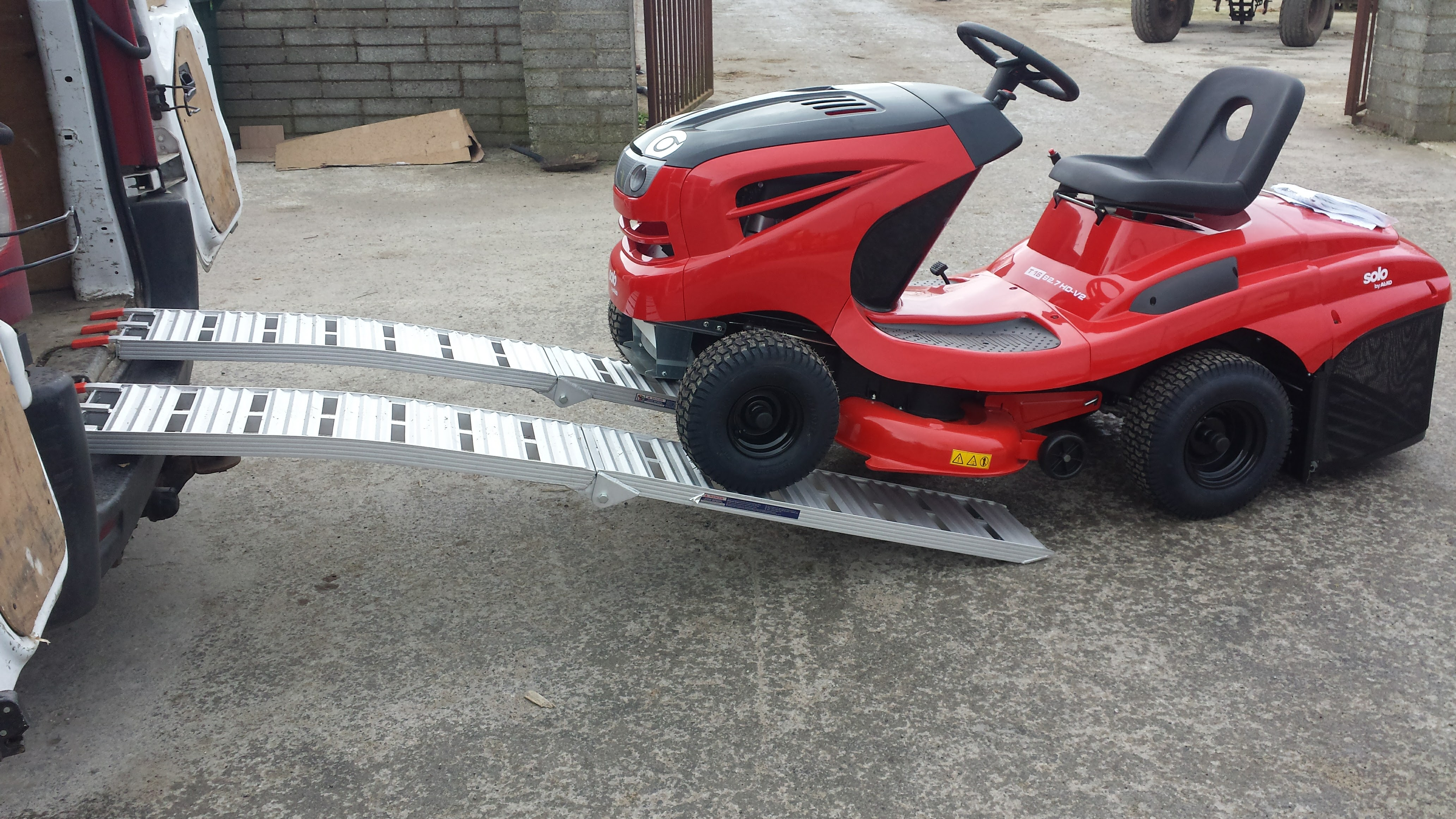 Alu Ramp1 Jpg Aluminium Folding Loading Ramps Atv Lawnmower Etc